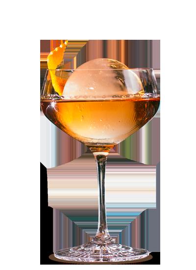 Лёд в форме шара в бокале